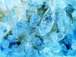 Aquamarin Geode Edelstein Kristalle Schmucksteine Beryll - Ein vielfältiger Edelstein