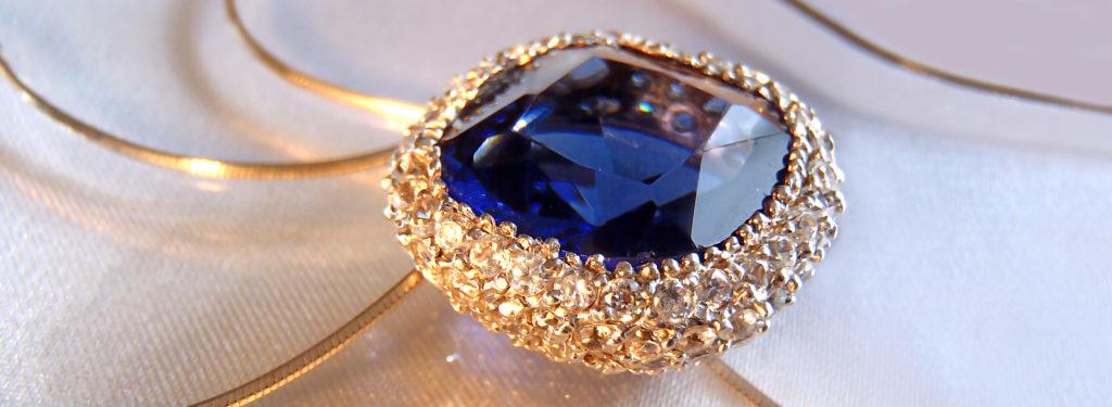 Blauer Saphir Silber mit Saphir und Cubic Zirconias an einer Kette hängend Edelsteine Schmucksteine Zirkonia Heilsteine Saphir - Vom Saturn verehrt